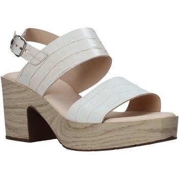 kengät Naiset Sandaalit ja avokkaat CallagHan 28700 Beige