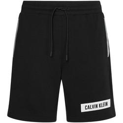 vaatteet Miehet Shortsit / Bermuda-shortsit Calvin Klein Jeans 00GMS1S856 Musta