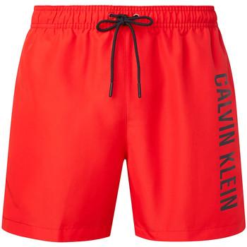 vaatteet Miehet Shortsit / Bermuda-shortsit Calvin Klein Jeans KM0KM00570 Punainen