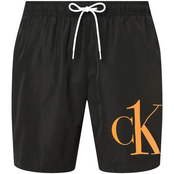 vaatteet Miehet Shortsit / Bermuda-shortsit Calvin Klein Jeans KM0KM00590 Musta
