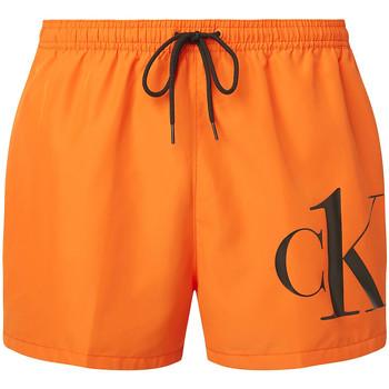 vaatteet Miehet Shortsit / Bermuda-shortsit Calvin Klein Jeans KM0KM00591 Oranssi