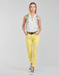 vaatteet Naiset 5-taskuiset housut Desigual ALBA Keltainen