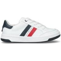 kengät Lapset Matalavartiset tennarit Tommy Hilfiger T3B4310820621X336 Valkoiset