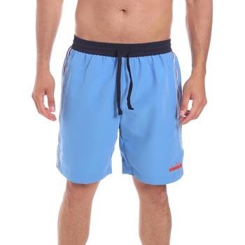 vaatteet Miehet Shortsit / Bermuda-shortsit Diadora 102175862 Sininen