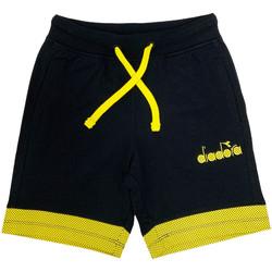 vaatteet Lapset Shortsit / Bermuda-shortsit Diadora 102175908 Musta