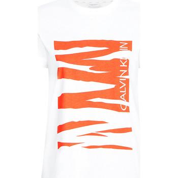 vaatteet Naiset Lyhythihainen t-paita Calvin Klein Jeans K20K203030 Valkoinen