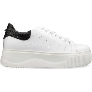 kengät Naiset Matalavartiset tennarit Cult CLE104400 Valkoinen