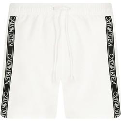 vaatteet Miehet Shortsit / Bermuda-shortsit Calvin Klein Jeans KM0KM00558 Valkoinen