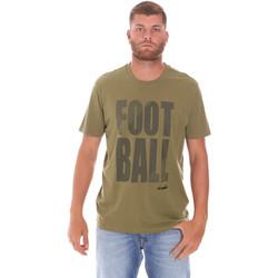 vaatteet Miehet Lyhythihainen t-paita Diadora 102175854 Vihreä