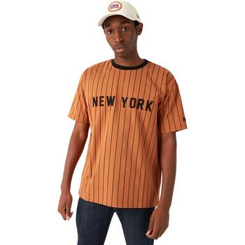 vaatteet Miehet Lyhythihainen t-paita New-Era 12720111 Ruskea