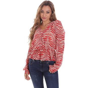 vaatteet Naiset Topit / Puserot Gaudi 111BD45044 Punainen