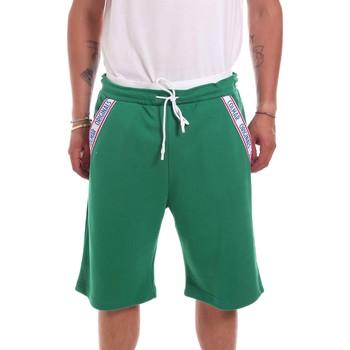 vaatteet Miehet Shortsit / Bermuda-shortsit Colmar 8261 5TK Vihreä