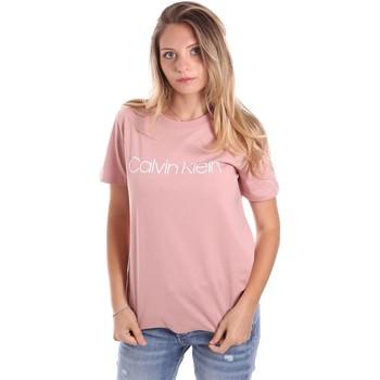 vaatteet Naiset Lyhythihainen t-paita Calvin Klein Jeans K20K202018 Vaaleanpunainen