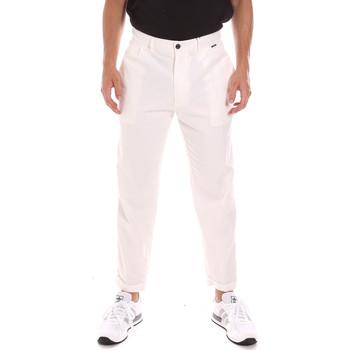 vaatteet Miehet Chino-housut / Porkkanahousut Calvin Klein Jeans K10K107094 Valkoinen
