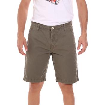 vaatteet Miehet Shortsit / Bermuda-shortsit Gaudi 111GU25043WH Vihreä