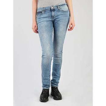 vaatteet Naiset Skinny-farkut Wrangler Best Blue Low Waist Courtney W23SX7850 blue