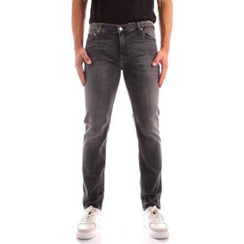 vaatteet Miehet Slim-farkut Calvin Klein Jeans K10K106564 BLACK