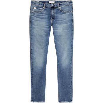 vaatteet Miehet Slim-farkut Calvin Klein Jeans J30J319015 Sininen