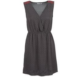 vaatteet Naiset Lyhyt mekko Betty London DADIO Black