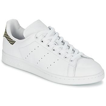 kengät Naiset Matalavartiset tennarit adidas Originals STAN SMITH White