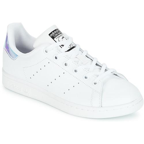 kengät Tytöt Matalavartiset tennarit adidas Originals STAN SMITH J White