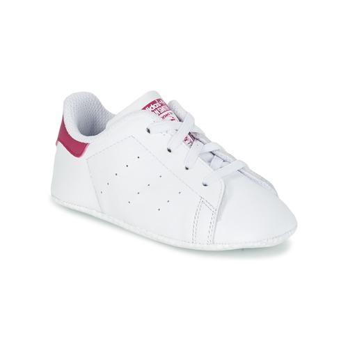 kengät Tytöt Matalavartiset tennarit adidas Originals STAN SMITH CRIB White / Pink