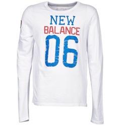 vaatteet Miehet T-paidat pitkillä hihoilla New Balance NBSS1404 GRAPHIC LONG SLEEVE TEE White