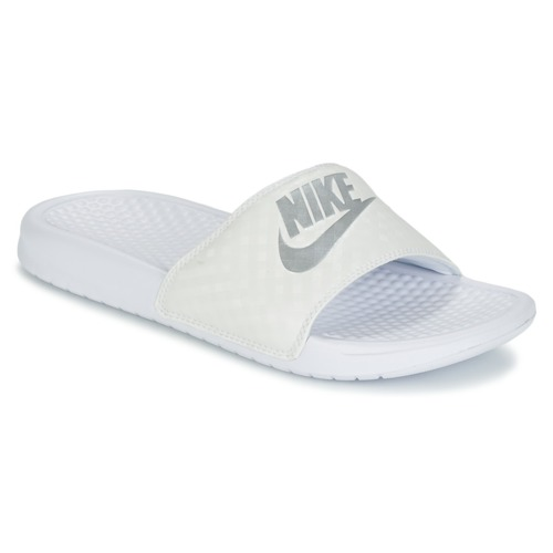 kengät Naiset Rantasandaalit Nike BENASSI JUST DO IT W White / Hopea