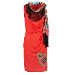 vaatteet Naiset Lyhyt mekko Desigual USIME Red