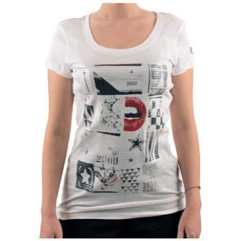 vaatteet Naiset Lyhythihainen t-paita Converse  Valkoinen