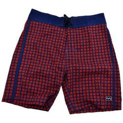 vaatteet Miehet Shortsit / Bermuda-shortsit Billabong  Punainen