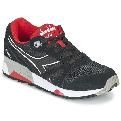 kengät Matalavartiset tennarit Diadora N9000 NYLON II Black / Red