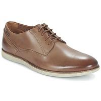 kengät Miehet Derby-kengät Clarks FRANSON PLAIN Brown