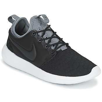 kengät Naiset Matalavartiset tennarit Nike ROSHE TWO SE W Black / Grey