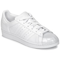 kengät Naiset Matalavartiset tennarit adidas Originals SUPERSTAR GLOSSY TO White