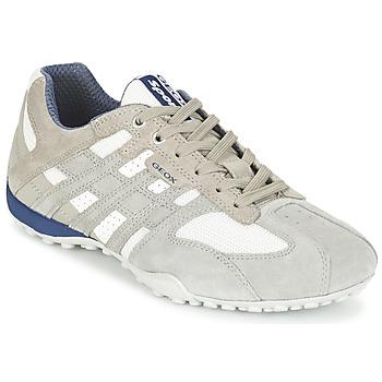 kengät Miehet Matalavartiset tennarit Geox SNAKE Grey / White