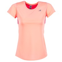 vaatteet Naiset Lyhythihainen t-paita New Balance ACCELERATE T CORAIL