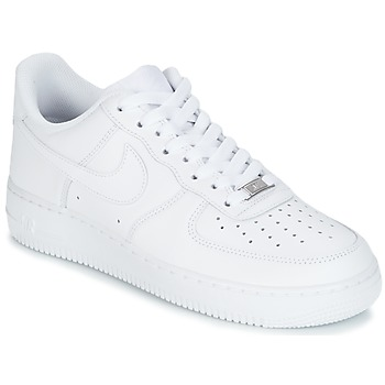 kengät Miehet Matalavartiset tennarit Nike AIR FORCE 1 07 White