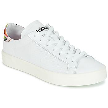 kengät Naiset Matalavartiset tennarit adidas Originals Court Vantage White / FLEURS