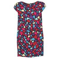 vaatteet Naiset Lyhyt mekko Love Moschino WVF0300T9171 Monivärinen