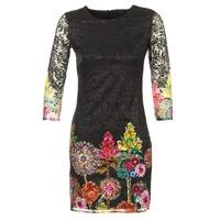 vaatteet Naiset Lyhyt mekko Desigual GRAFI Black