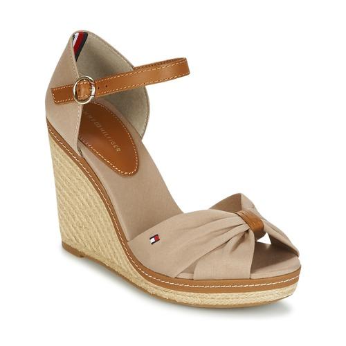 kengät Naiset Sandaalit ja avokkaat Tommy Hilfiger ICONIC ELENA SANDAL Beige