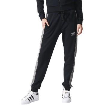 vaatteet Naiset Verryttelyhousut adidas Originals Shell Cuff TP Mustat