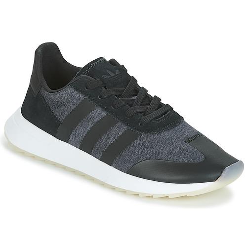 kengät Naiset Matalavartiset tennarit adidas Originals FLB RUNNER W Black
