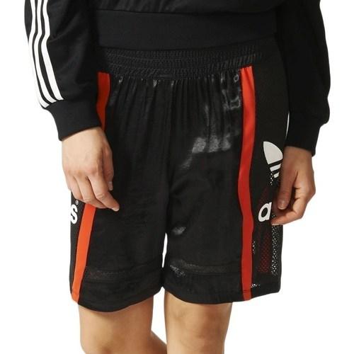vaatteet Naiset Shortsit / Bermuda-shortsit adidas Originals Basketball Baggy Mustat, Punainen