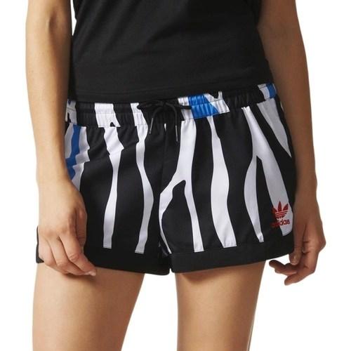 vaatteet Naiset Shortsit / Bermuda-shortsit adidas Originals Zebra Valkoiset, Mustat