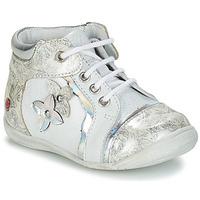 kengät Tytöt Bootsit GBB SONIA White / Hopea
