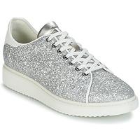 kengät Naiset Matalavartiset tennarit Geox D THYMAR C Silver / White