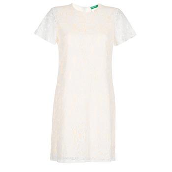 vaatteet Naiset Lyhyt mekko Benetton PRISTOUC White