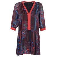vaatteet Naiset Lyhyt mekko Sisley CEPAME Black / Red / Blue